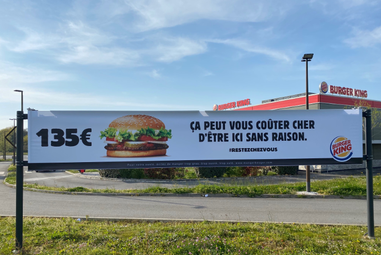 Burger King communication-restaurants-drive-livraison-burgers-réseaux sociaux-Instagram-Facebook-Twitter-confinement-covid-19-communication-promotion-street marketing-réouverture-burger clean-enseigne
